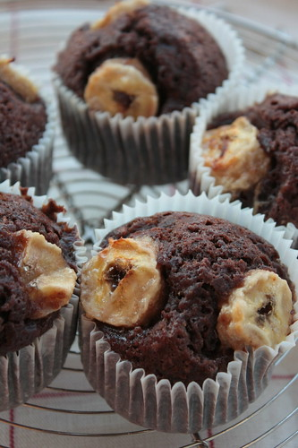(light) chocolate muffin