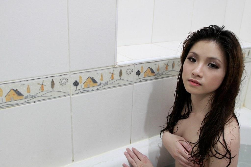 羊咩 | 浴室 | 抽色