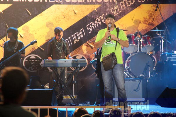Dj Kay Bapakku fm sebagai hos Battle of the band