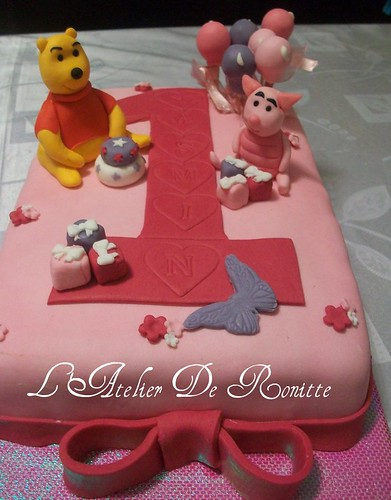 Winnie The Pooh 1 Yaş DoğumgünüPastası by l'atelier de ronitte