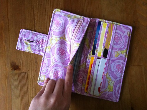 One Yard Wonders: Fabric by Fabric - Organizer Wallet