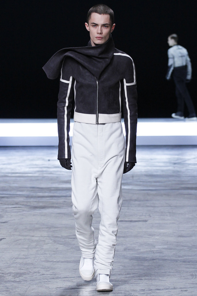 FW12 Paris Rick Owens027_Simon Kotyk(VOGUE)