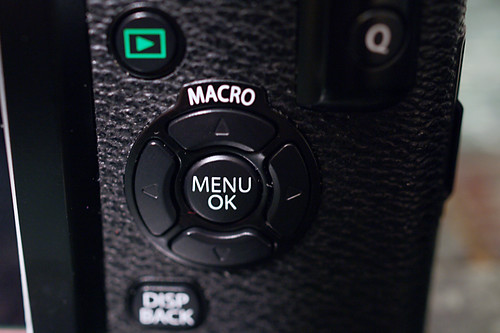 FUJIFILM X-Pro1 MACRO button