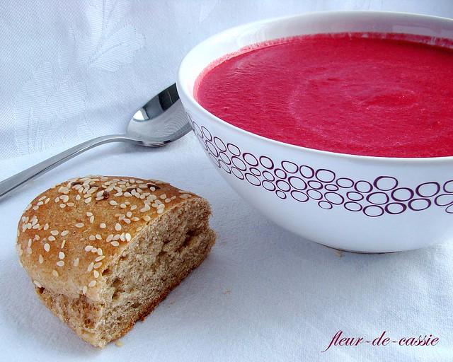 крем-суп из свеклы с яблоком