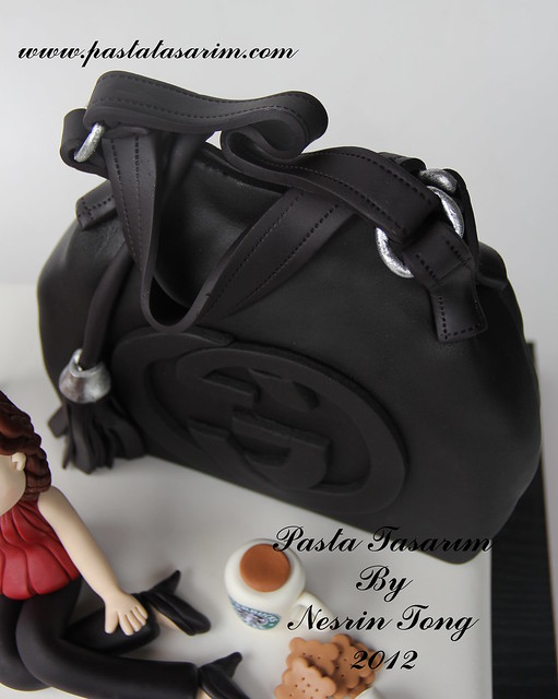 GOODBY CAKE .. GUCCI BAG