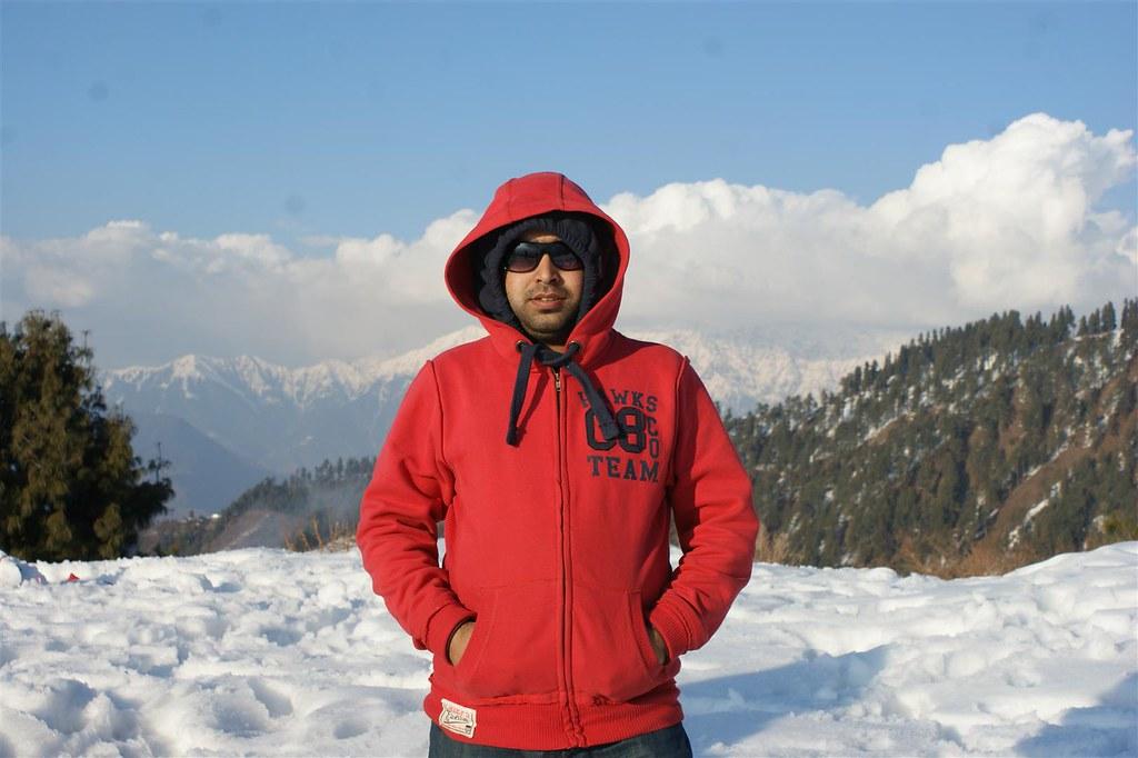 Muzaffarabad Jeep Club Snow Cross 2012 - 6796511613 4b2fa51595 b