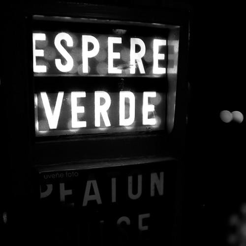 100 Palabras. 33.- Calma by uveñe