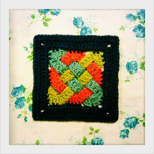 Free Celtic Knot Crochet Afghan Pattern : things to make and do: 300::365 celtic knot square