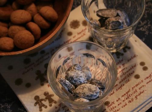 yule almonds
