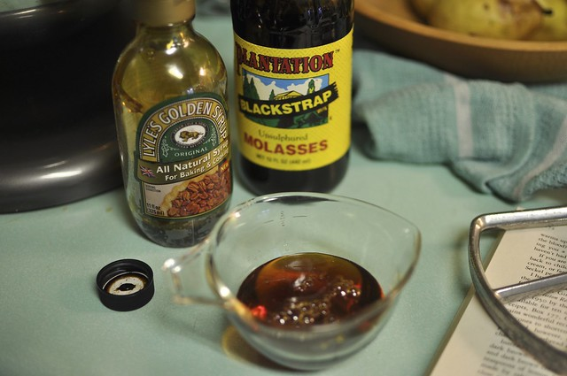 Lyle's Golden Syrup and blackstrap Molasses