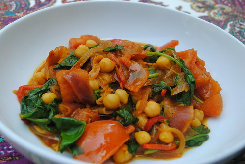 Chickpeas Curry with Tomatoes & Spinach