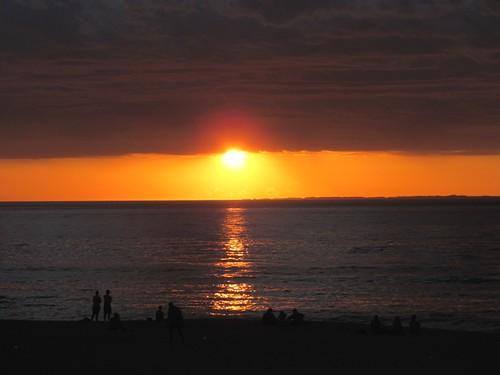 the sun sets2
