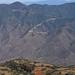 Vista desde el camino entre Santo Domingo Ixtcatlán y Santa María Yolotepec (al sur de Chalcatongo, Región Mixteca), Oaxaca, Mexico por Lon&Queta