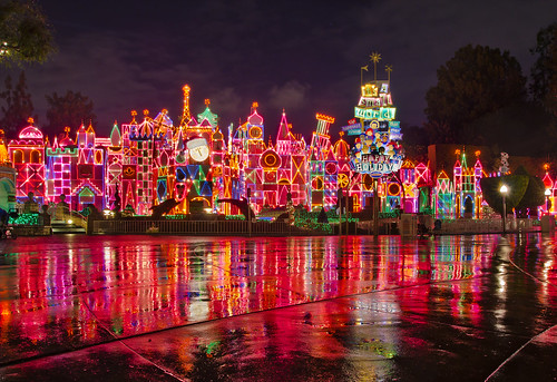 "Disneyland - ""it's a small world"" holiday by Tom Bricker (WDWFigment)"