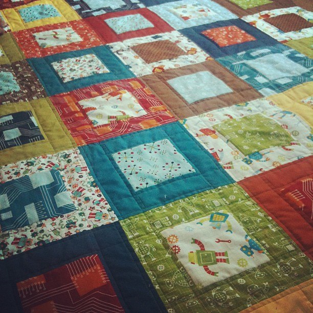 Robot factory quilt flickr photo sharing for Robot quilt fabric