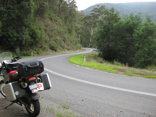 Omeo highway, the curvy bits