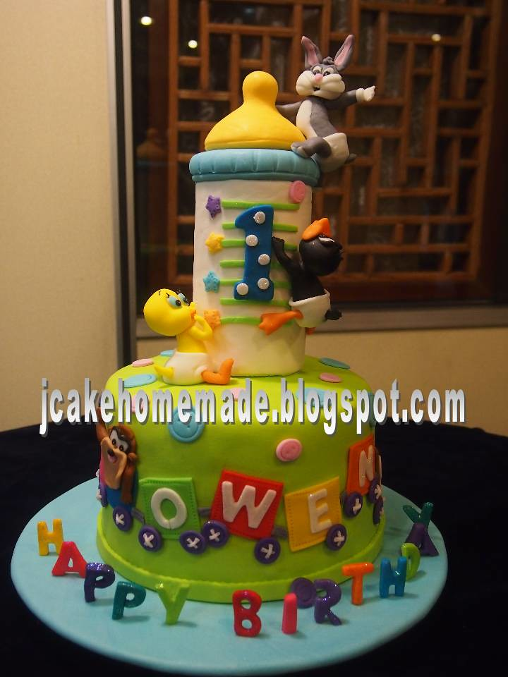 Baby looney tunes cake a photo on flickriver for Baby looney tune decoration