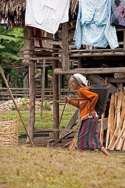Mujer de la etnia Adi en el nordeste de India, Arunachal Pradesh