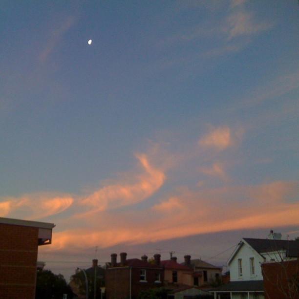 Whispy Tassie sky feat. tiny moon #nofilter