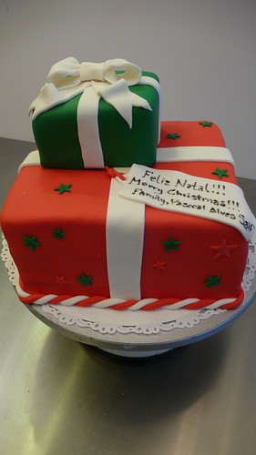 Christmas Gift Boxes Cake by CAKE Amsterdam - Cakes by ZOBOT