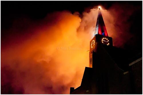 De nacht van Silvolde kleurt oranje. by stanbouman