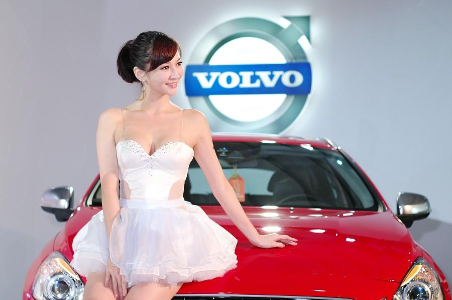 2012台中車展+羽庭變裝秀(這次有拍車)