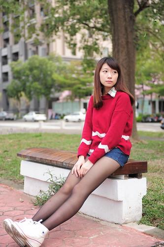 無料写真素材, 人物, 女性  アジア, セーター, 台湾人, 女性  座る