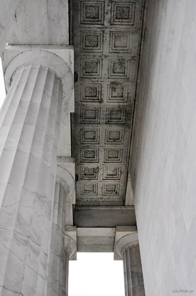 roof-at-linconl-memorial