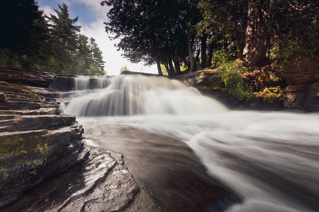 Tahquamenon Falls. Lower Falls