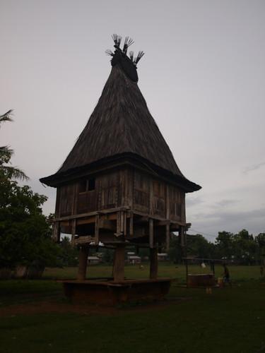 храм в деревне - анимизм