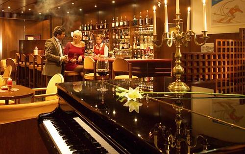 Hotel Montana's piano bar