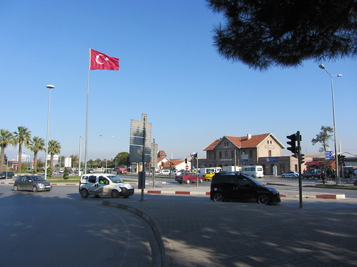 Balikesir: Square in front of the train station (4)