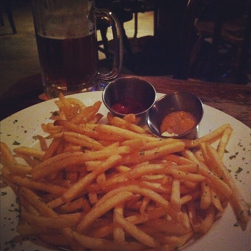 So much for clean eating tonight, haha! Best fries + bourbon mayo (pretty much the best combo EVER!)