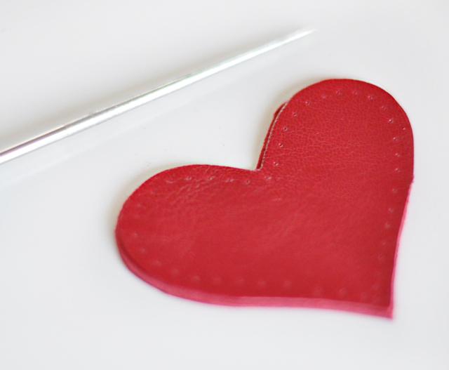 DIY leather heart keychain -6