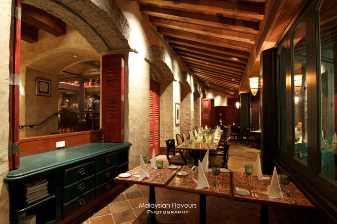 exclusive-italian-dining-experience-santa-margherita-wine-dinner-villa-danieli