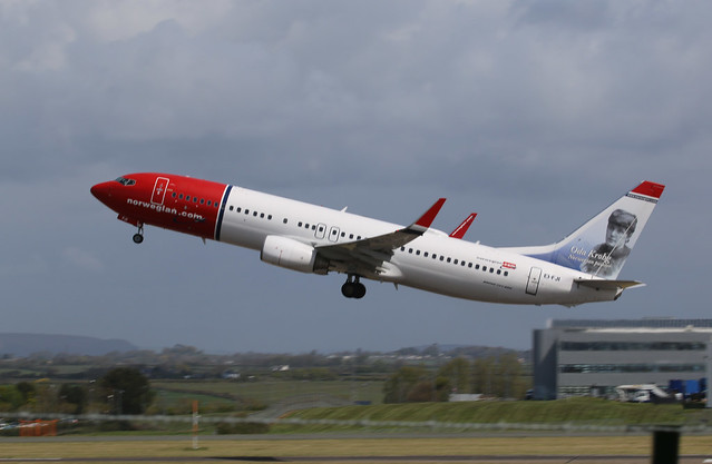EI-FJI take off.