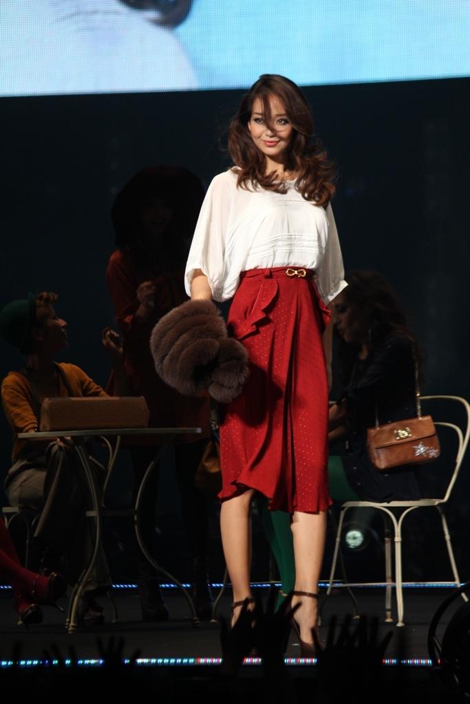 Tokyo Girls Collection 2011 AutumnWinter (19)
