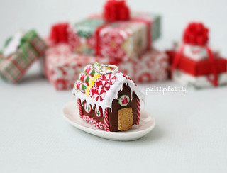 Gingerbread House Pendant