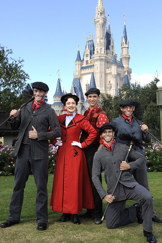 BROADWAY STARS FROM 'MARY POPPINS' SHINE IN DISNEY PARKS CHRISTMAS DAY PARADE TV SPECIAL