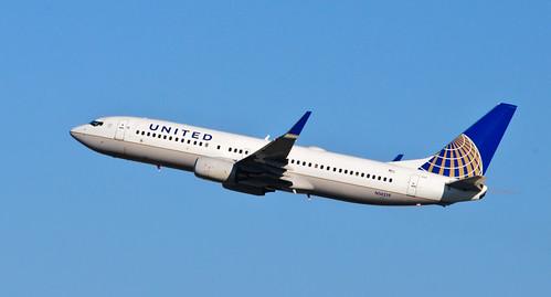 United Airlines - N14219