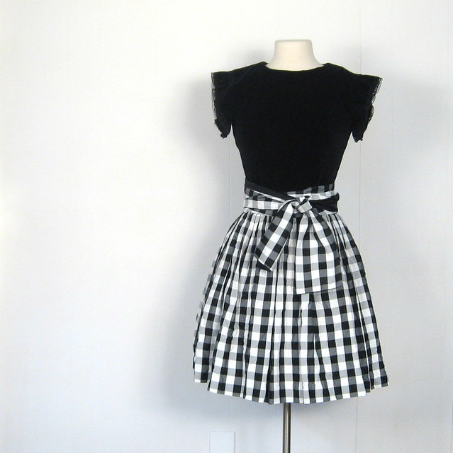 Tom Ford black gingham check spread collar dress shirt | BLUEFLY
