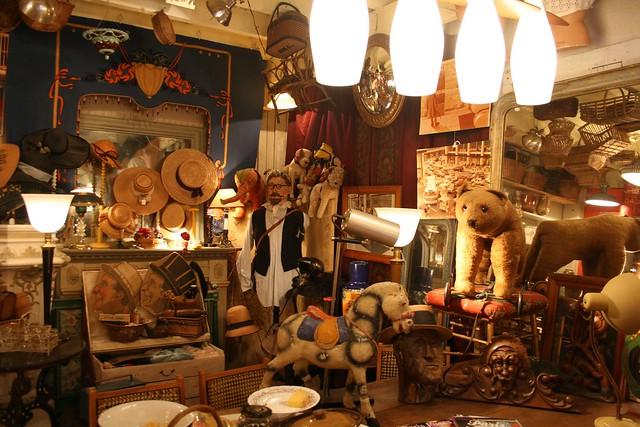 Saint-Ouen antiques market
