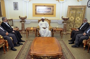Hamas leader Khaled Meshaal (L) and Hamas' Gaza leader Ismail Haniyeh (R) meet with Sudan's President Omar al-Bashir in Khartoum December 29, 2011. REUTERS/ Mohamed Nureldin Abdallah. by Pan-African News Wire File Photos