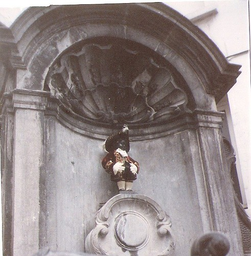 manneken pis brussels july 1991