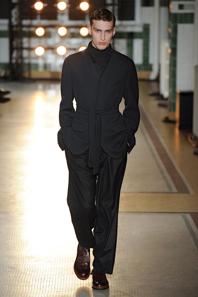 FW12 Paris Wooyoungmi004_Charlie France(VOGUE)