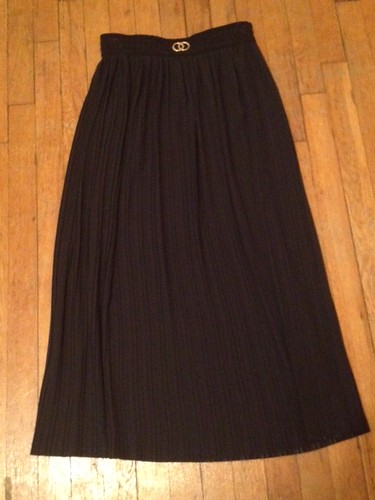 pleated skirt, thrifty threads