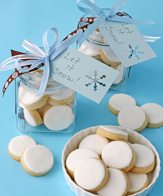 Simple snowball cookies via Glorious Treats