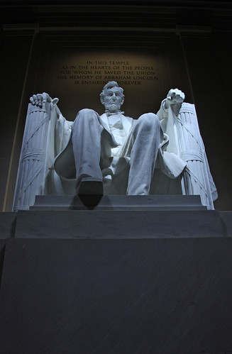 Lincoln Memorial - interior - statue up - 2011