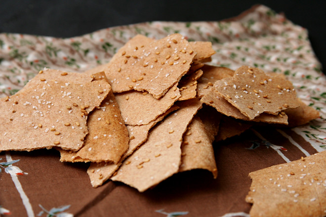 spelt crackers 5