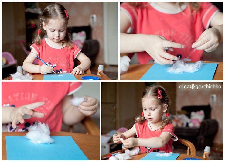 Маша делает снеговика